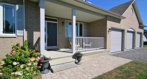 6991 Wyatt Drive, North Gower Twp, Ottawa