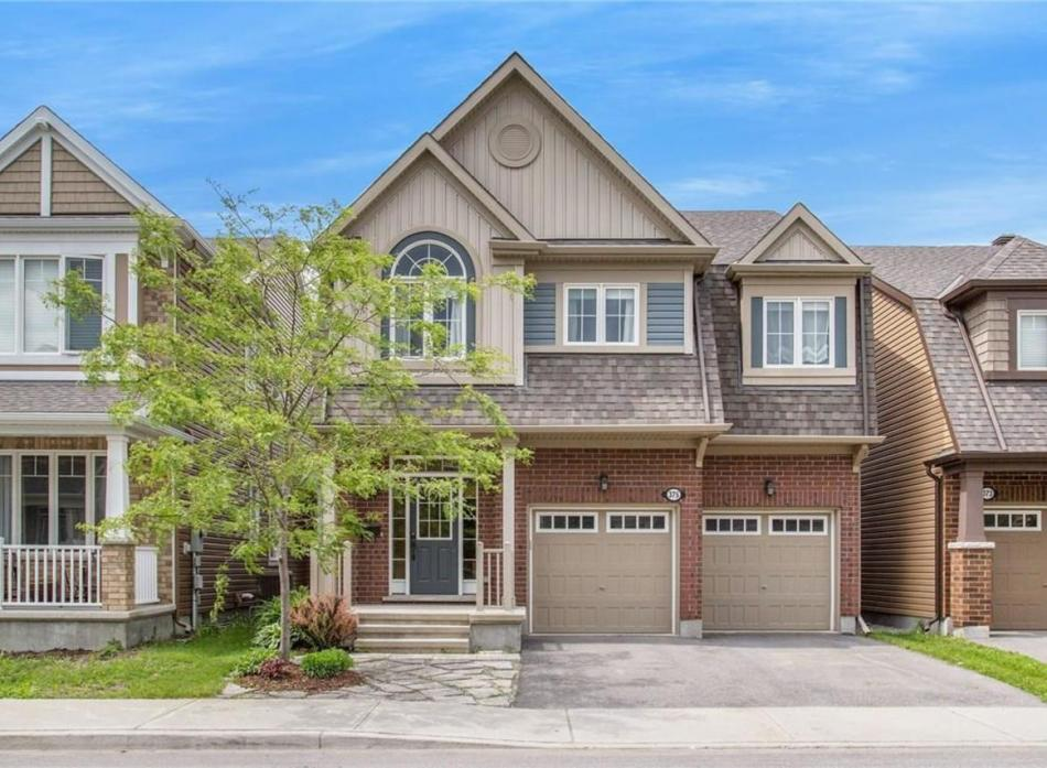 375 Gallantry Way, Fairwinds, Stittsville