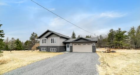 2091 Concession 9b Lanark Road,